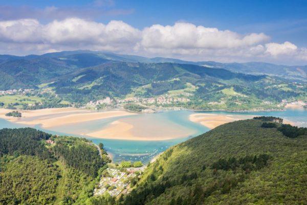 Vistas de Urdaibai reserva de la Biosfera Bizkaia