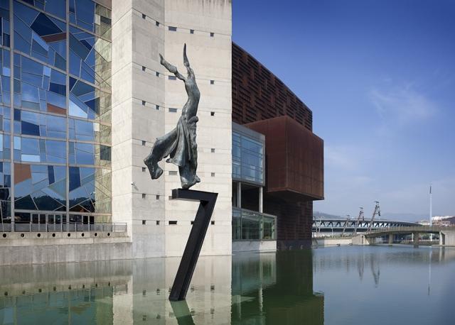 Escultura Dalí en Bilbao