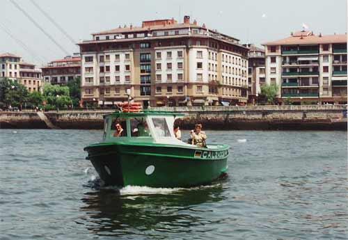 Cruzar la Ría en bote gasolino de Portugalete