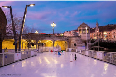 patinar en la pista de hielo navideña de Bilbao